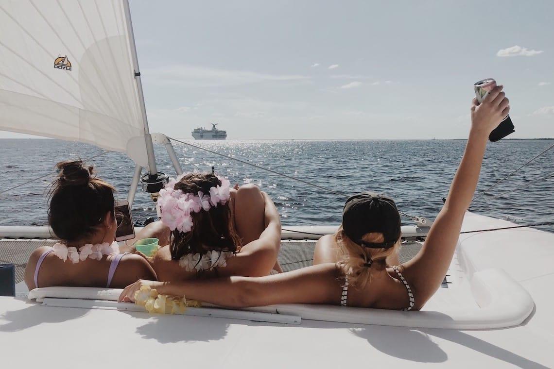 Akdeniz'de Yelken Yapmak İlkbaharda Başka Güzel