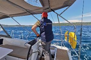 10 Soruda Kaptanlı Tekne Kiralama ile İlgili Merak Ettiğiniz Her Şey